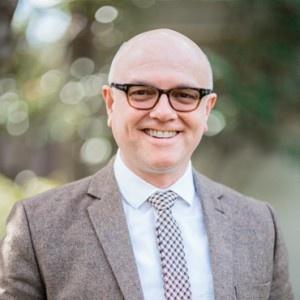 Dr Rhys Bezzant