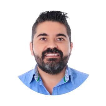 <strong>Raúl Valenzuela</strong>