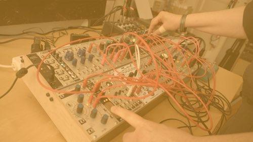 Apprendre le synthétiseur modulaire