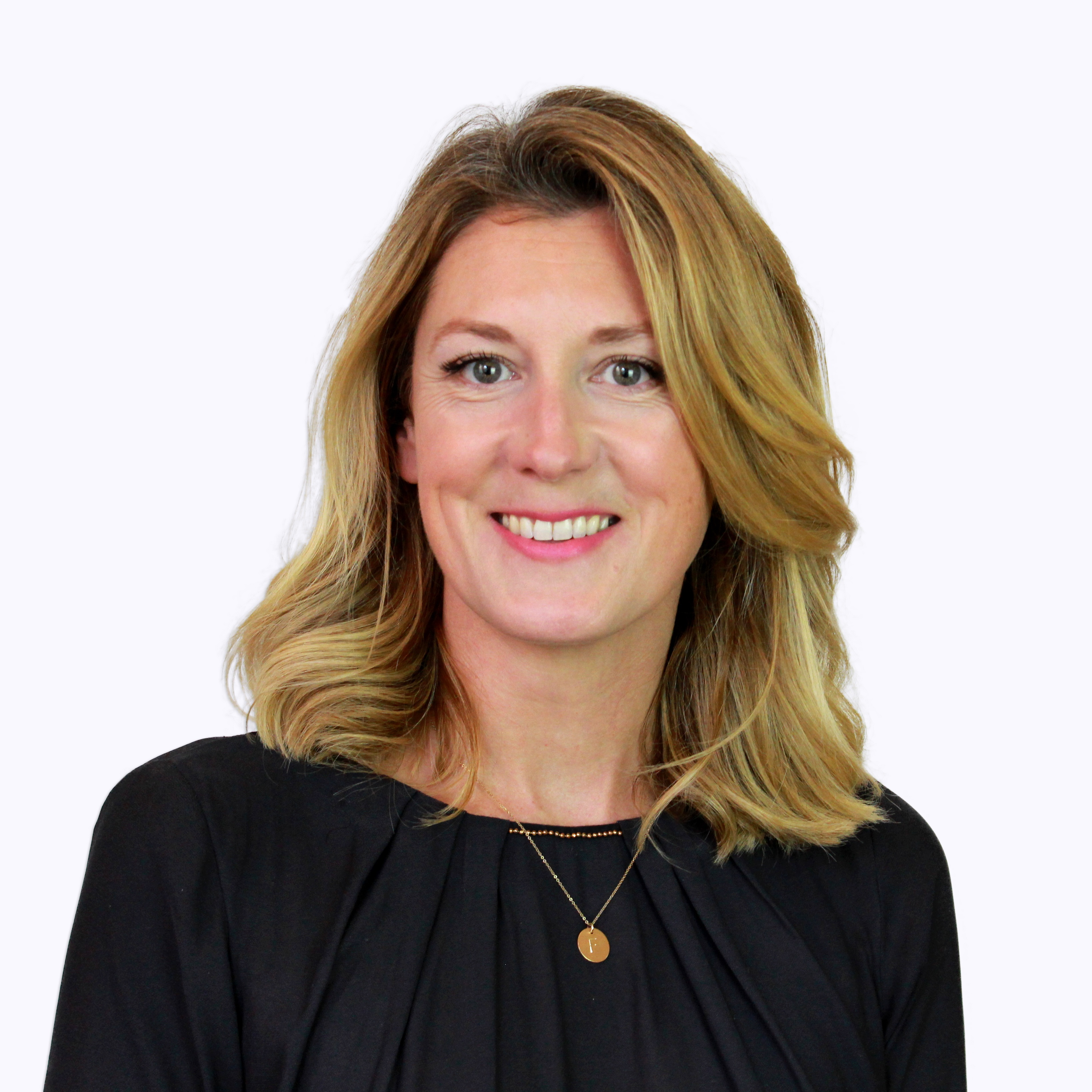 Dr. Sinéad  Lynch